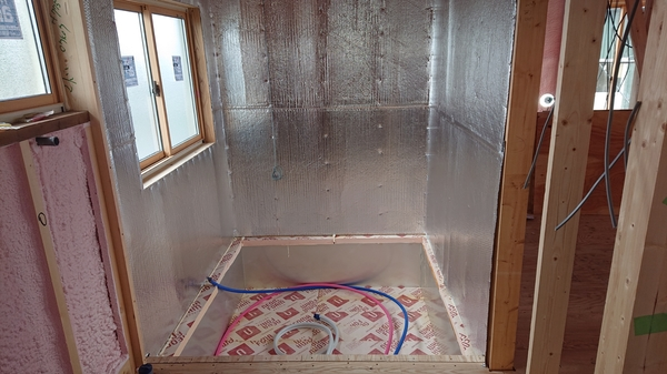 中央市で高断熱浴室工事
